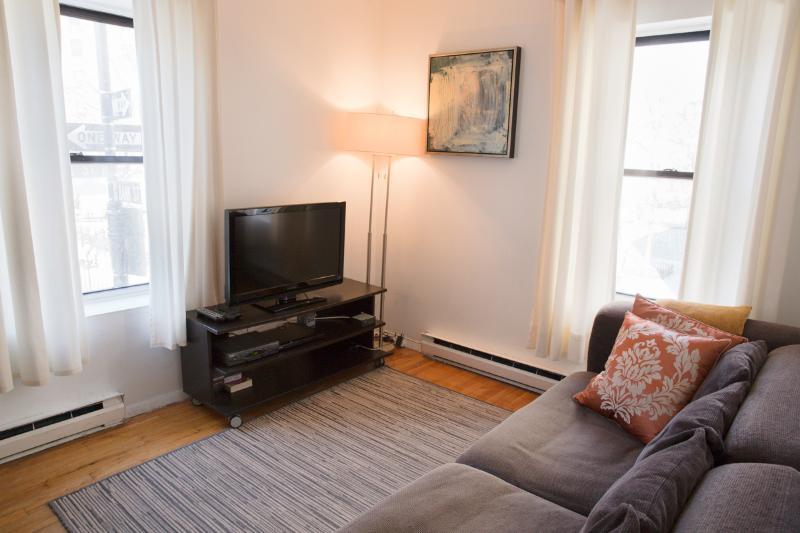 Sunny West Village 3BD/2BA - Prime Location! - Image 1 - New York City - rentals