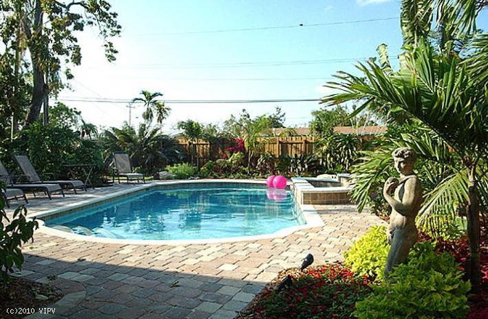 GRAF HILL HOUSE, 2Bed/2Bath Relax in Private Pool! - Image 1 - Fort Lauderdale - rentals