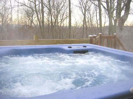 Hot tub, relax after a day on the slopes or hiking Bushkill Falls - Outdoor Hot Tub, Gameroom, Walk to Skiing + Pools - Bushkill - rentals
