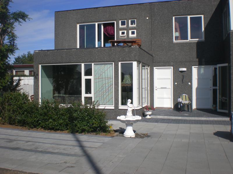 houses built 2007 - One bedroom apartment,car incl. In Seltjarnarnes. - Reykjavik - rentals