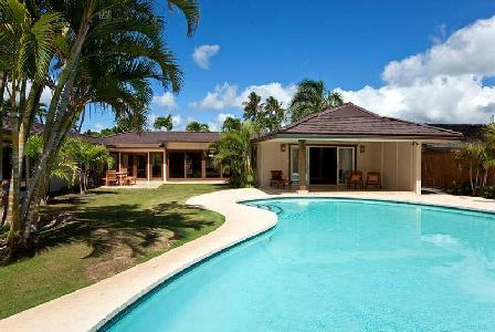 Gated Tropical Oasis with en suite bedrooms, open floor plan, pool and minutes to the beach - Image 1 - Kahala - rentals