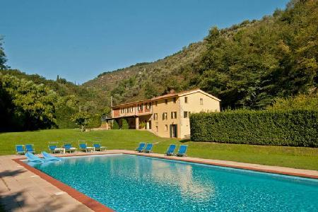 Phenomenal Villa Alisso complete with covered patio, pool and lovely garden - Image 1 - Lucca - rentals