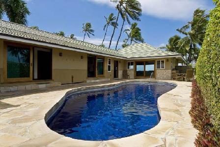 Oceanfront Diamond Head Tiki Estate - Enjoy Alfresco Dining with a Fabulous View - Image 1 - Diamond Head - rentals