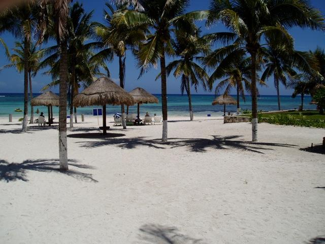 Beach in front of Vill del Mar - BEACH POOL BBQ VILLA DEL MAR DEALS $180/NIGHT!!! - Puerto Aventuras - rentals