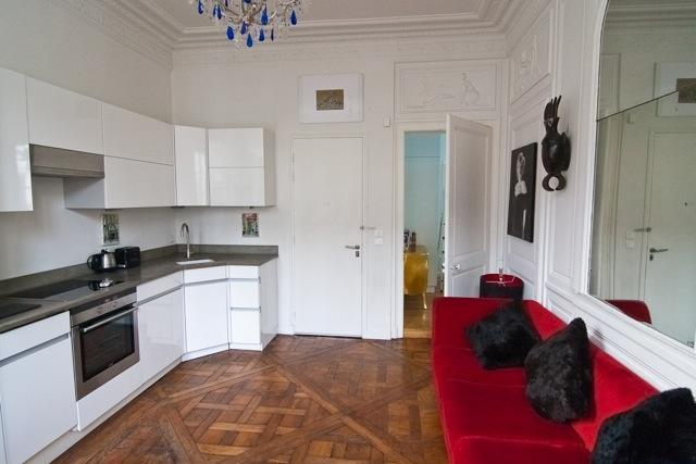 The living room with open kitchen - SUMMER DEAL-20% Marais French Chic, Great Location - Paris - rentals