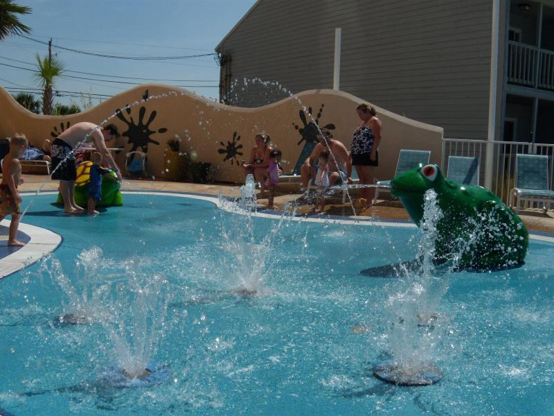 Splash tad pole for little kiddies..great fun if you have young children... our grandkids love it. - Kid-Friendly 1 Bedroom with free Wifi at Splash - Panama City Beach - rentals