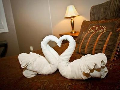 Just another Special Touch... - Right by S.D.C.!- King Beds -Granite -10' Ceilings - Branson - rentals