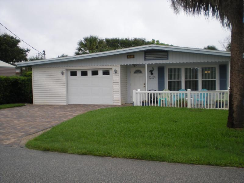 "House Front - The ""Lazy Pelican"" Beach House at New Smyrna Beach - New Smyrna Beach - rentals"