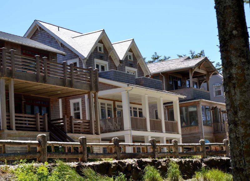 Nantucket - ocean front home - Nantucket House w-Cottage - OCEANFRONT - Pacific Beach - rentals