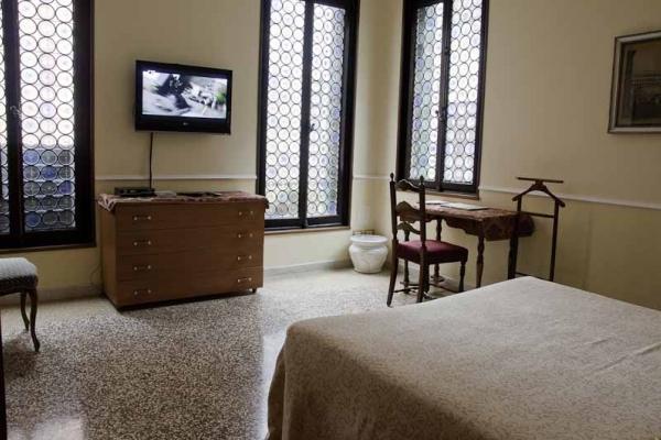 CR102VR - Alla Fenice - Image 1 - Venice - rentals