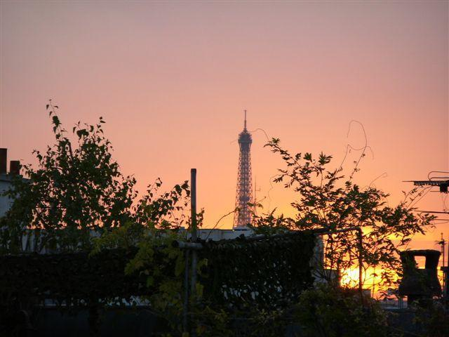 Eiffel Tower in the distance. View from Bedroom and bathroom - A Pearl! Cosy Duplex in the Heart of St Germain - Paris - rentals