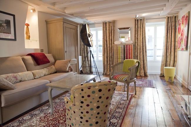 Living Room - Luxury Artist Apt in Montorgueil. Photos-Paintings - Paris - rentals