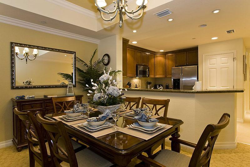 Gather the family or friends for a meal, great to talk over the excitement of the days activities - Luxury Family Friendly Villa Relaxed Surroundings Attentive Host Close to Disney - Reunion - rentals