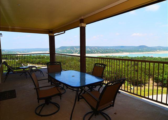 Enjoy Beautiful Lake Travis! - Great Hill Country Condo with Amazing Amenities: Pool, Club House & Marina! - Jonestown - rentals