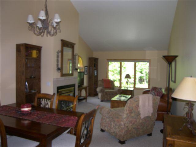 Dining / living area - Whitefish Lake Condo near downtown Whitefish - Whitefish - rentals
