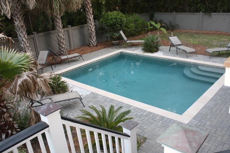 Pool heated April through October at no charge - Beautiful 5 Br Home - Private Pool & Short Walk to Beach! - Isle of Palms - rentals