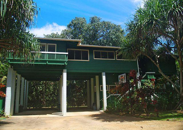 Kauai Tree House: Beautiful Haena home within a gated estate - Image 1 - Hanalei - rentals