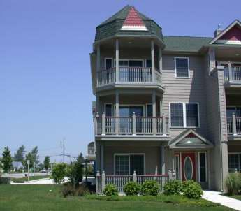 "Large Condo with Pool ""The Sandy Clam"" 105315 - Image 1 - Cape May - rentals"