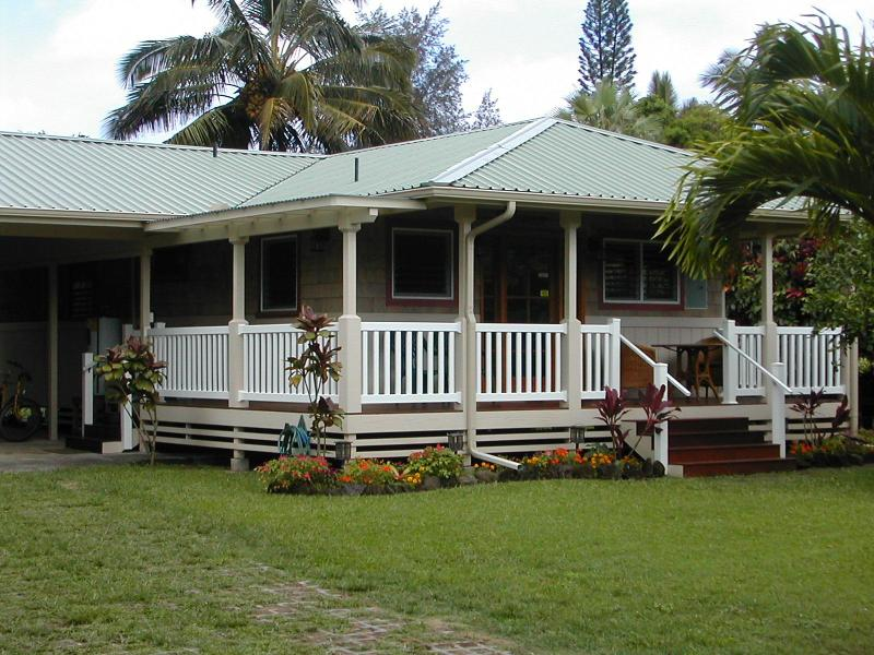 exterior - Quaint 2 bedroom cottage in the heart of Hanalei - Hanalei - rentals