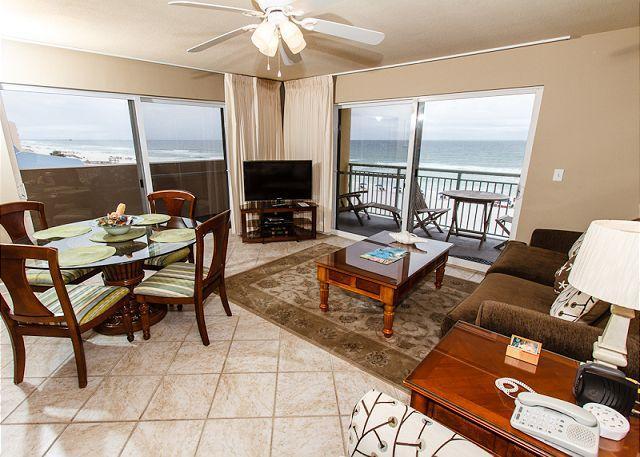 Living Room - PI 401-Fantastic 2B/2Ba gulf front corner condo!  HDTVs, free Beach Service - Fort Walton Beach - rentals