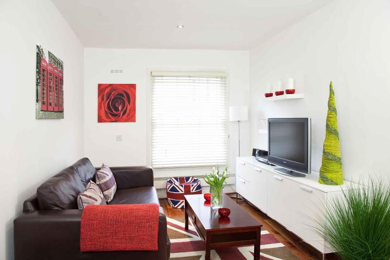 Stylish, Boutique Modern Central London Flat (P03) - Image 1 - London - rentals
