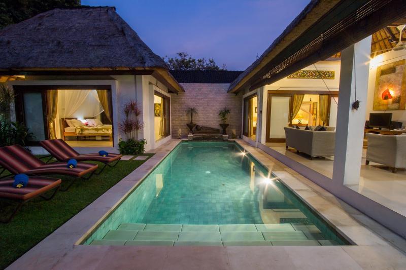 swimming pool - Villa Kamboja Senior, 3 bdr. POOL FENCE YES OR NO - Legian - rentals