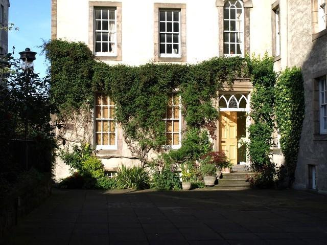 Royal Mile 3- beautiful historic apartment - Image 1 - Edinburgh - rentals