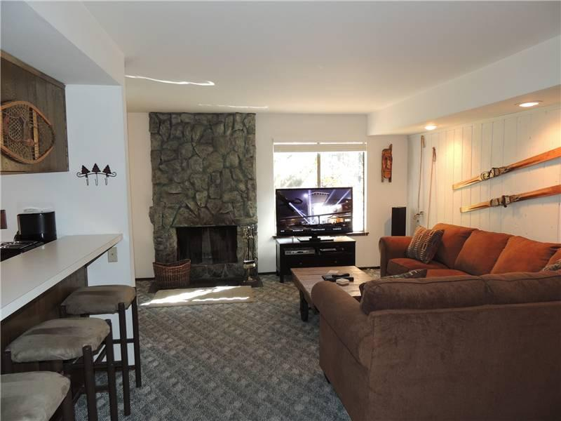 Seasons 4 - 2 Brm - 1.5 Bath , #171 - Image 1 - Mammoth Lakes - rentals