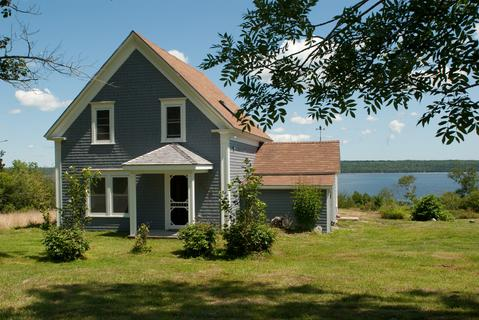 Rising Sun is a charming well maintained guest house overlooking Jordan Bay. - Rising Sun Guest House - Shelburne - rentals