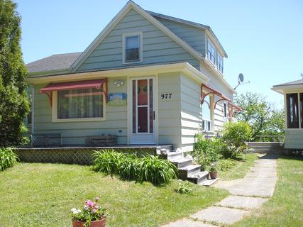 A delightful cottage with an ocean view. - Meadow Pines Cottage - Louis Head - rentals