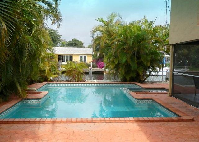 Secluded Waterfront Heated Pool Dock 5/3 12 Guests - Image 1 - Pompano Beach - rentals