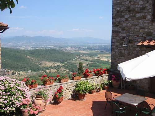 Garden overlooking tuscan hills - Magical Villa in the heart of a Tuscan Village - Arezzo - rentals