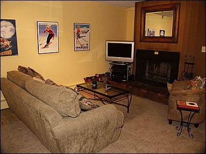 Cozy Living Area - Flat Screen TV, Wood Fireplace, Private Balcony - Authentic Ski Condo - Be a Part of Vail Tradition (3776) - Vail - rentals