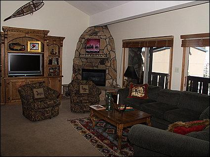 Living Area - Sleeper Sofa, Gas Fireplace, TV - 250 Yards to Gondola - Year-Round Heated Pool (2711) - Vail - rentals