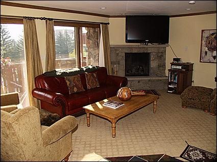 Living Area - Large TV, Patio, Gas Fireplace - Newly Remodeled - 250 Yards to the Gondola (2710) - Vail - rentals
