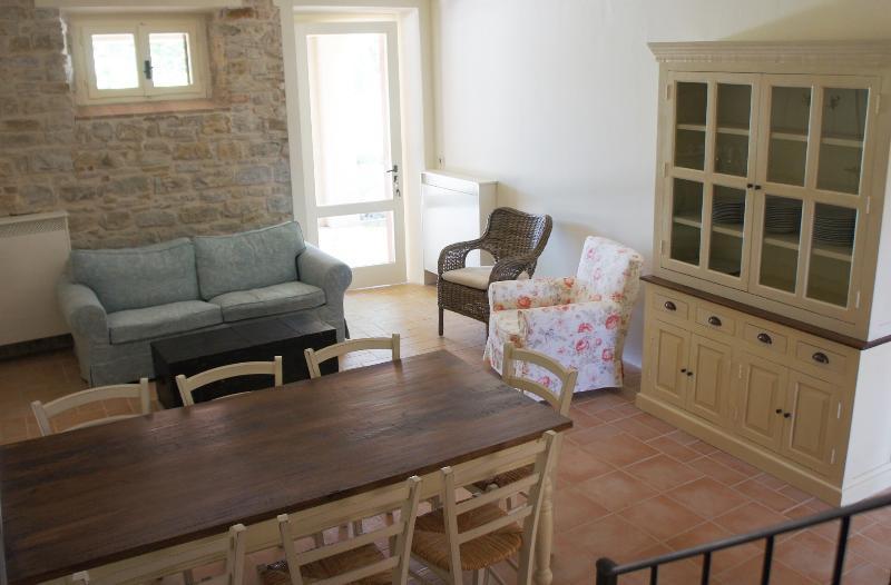 the living room - BIO Fattoria Fontegeloni, LA TORTORA, 80 m apart. - Serra San Quirico - rentals
