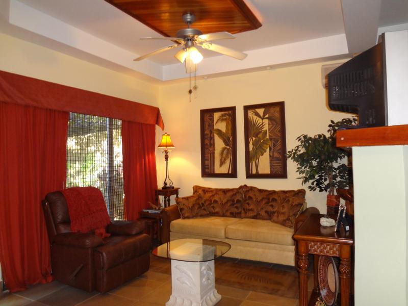 Casa Gecko- Private Studio a block from the beach - Image 1 - Tamarindo - rentals
