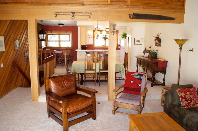 View of diningroom, kitchen and mezzanine from livingroom - Charming 2 bedroom condo in  Sun Valley, Idaho - Sun Valley - rentals