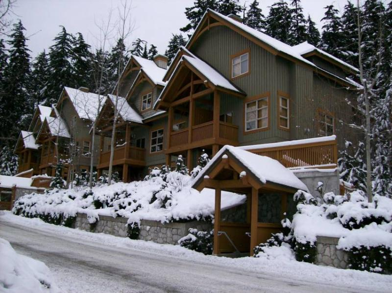 Welcome to Mountain Star Whistler Townhouse. Beautiful views, Ski in Ski out and all the amenities. - Mountain Star Whistler Townhouse - Whistler - rentals