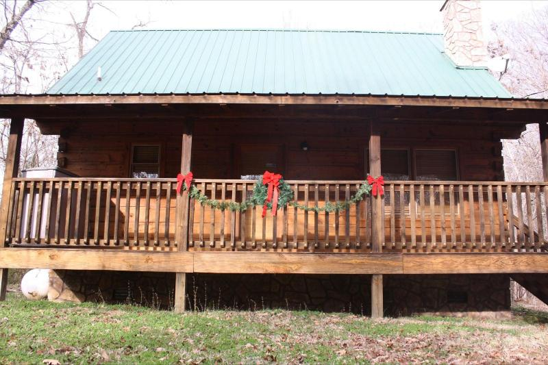 Welcome to A Beary Cozy Spot - Secluded Romantic Log Cabin 2Miles To Pigeon Forge - Pigeon Forge - rentals