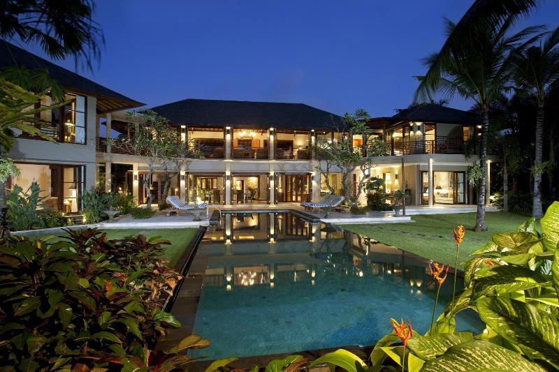"""04 Bedroom Main Villa - Avalon Bali """"Luxury 7 Bedrooms Villa in Canggu"""" - Canggu - rentals"""