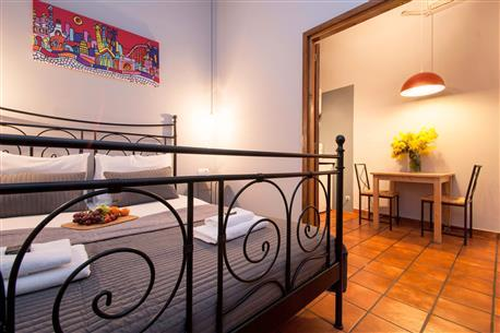 Plaza Real Apartment F - Image 1 - Barcelona - rentals