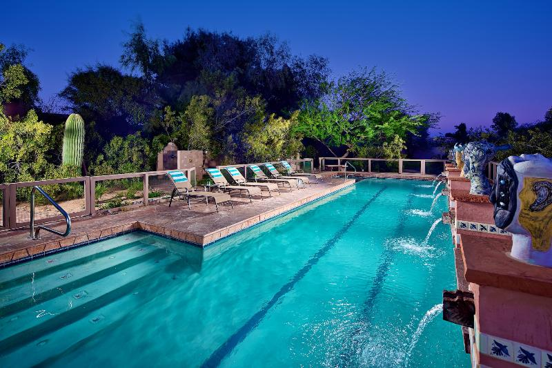 Large heated pool and hot tub! - An Oasis! Heated Pool, Game Rm, Central Location! - Scottsdale - rentals