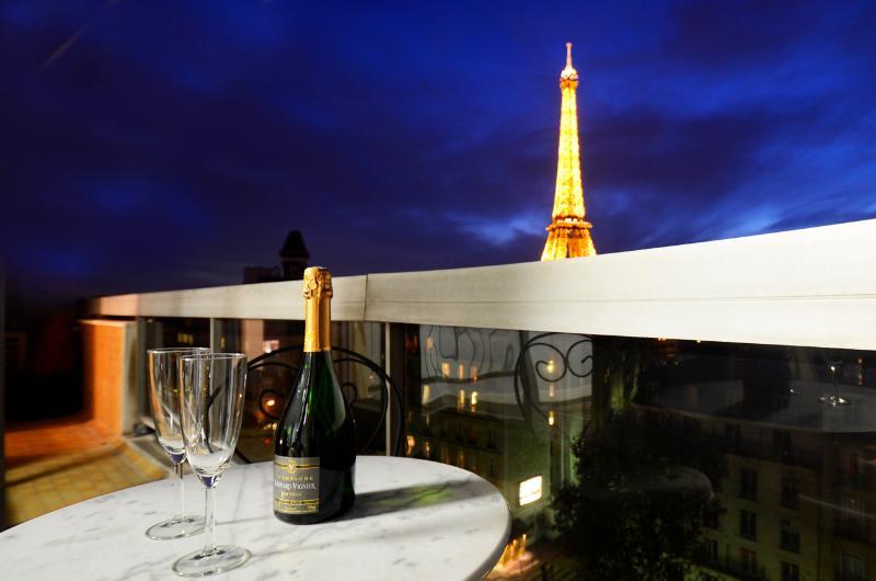 Eiffel Tower Avenue Rapp - Image 1 - Paris - rentals