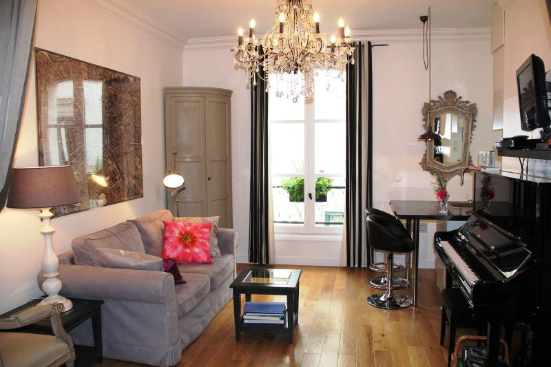 Welcome to Romantique Montmartre - Romantique Montmartre- Luxury Studio Hideaway - Paris - rentals