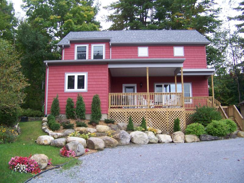 """Vista View""  4-Bedroom, 2 1/2 Bath Lakefront Home - Lake George 4-Bedroom Waterfront Home - Bolton Landing - rentals"