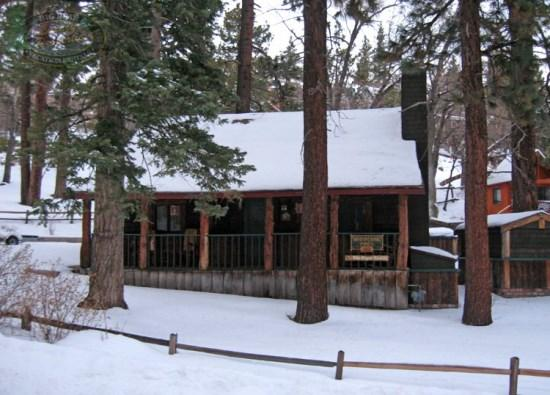 Angel Bear Front View - Angel Bear Cabin a charming pet friendly Vacation Cabin that is within walking distance to Bear Mountain Ski Resort. - Big Bear Lake - rentals