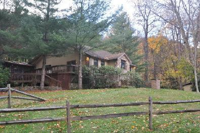 Private, located along a country lane above the river. Private hot tub. - CHEAT RIVER near Elkins,WV.  HOT TUB! Fully staffed.Pet friendly. TOP RATED! - Elkins - rentals