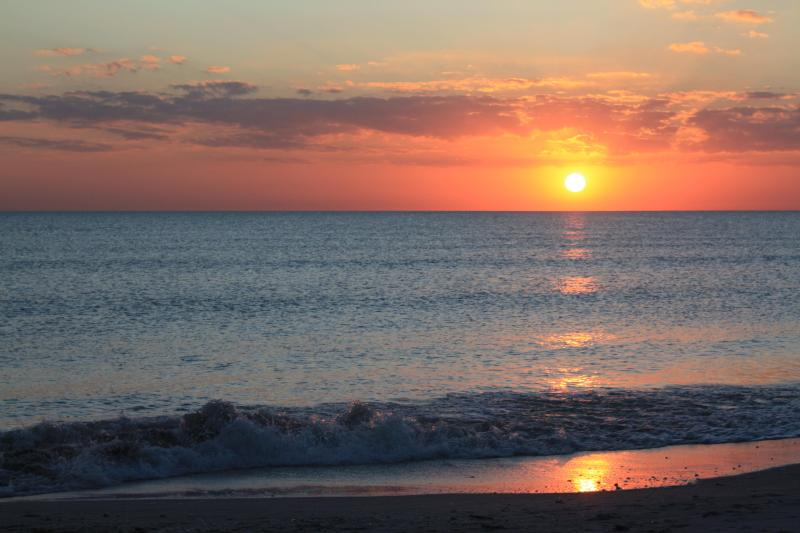 Sunset at Bowman's Beach - Recently Renovated 3 Bedroom-near Bowman's Beach! - Sanibel Island - rentals