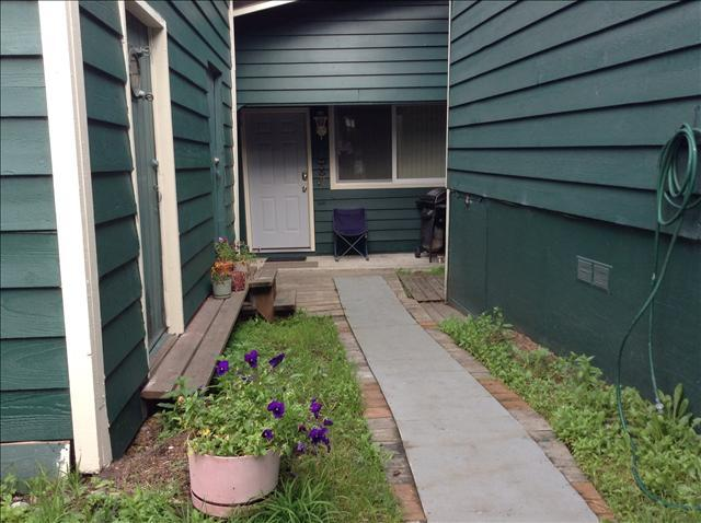 An Abode 2 sits down behind An Abode - An Abode 2 - Sitka - rentals